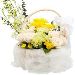 永远怀念-4支精品黄菊花+7支白玫瑰