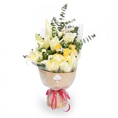 玲珑望秋月-6支精品黄玫瑰+3支多头黄百合