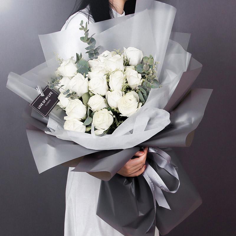 薄荷初夏-33支白玫瑰