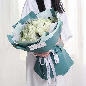 流年花开-33支白玫瑰