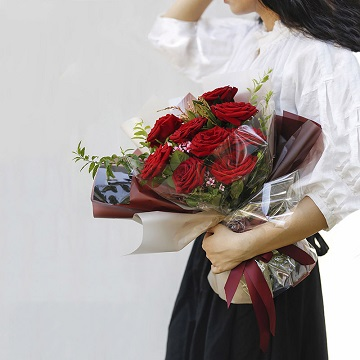 我的女主角是你-9支精品红玫瑰
