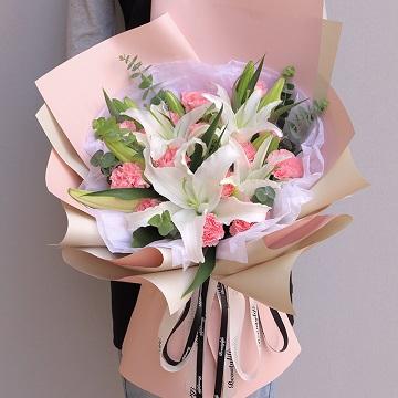 您辛苦了!-19支粉色康乃馨+3支白色多头白百合